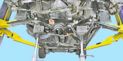 Снятие и установка коробки передач Шкода Фабия