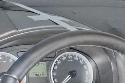 Проверка свободного хода (люфта) рулевого колеса Шкода Фабия