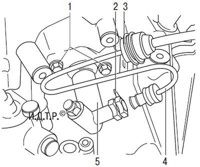 Замена трубопровода гидропривода выключения сцепления Шкода Фабия
