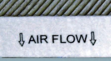 Замена фильтра поступающего в салон воздуха Шкода Фабия
