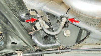 Проверка герметичности гидропривода тормозной системы Шкода Фабия