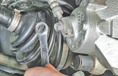 Замена тормозного шланга skoda rapid Замена верхнего рычага пежо 307