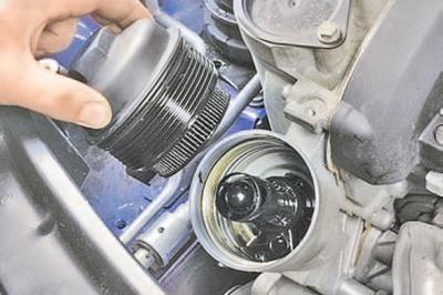 Замена масла в двигателе и масляного фильтра Шкода Фабия